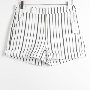 New Forever 21 pinstripe shorts stretch classic S